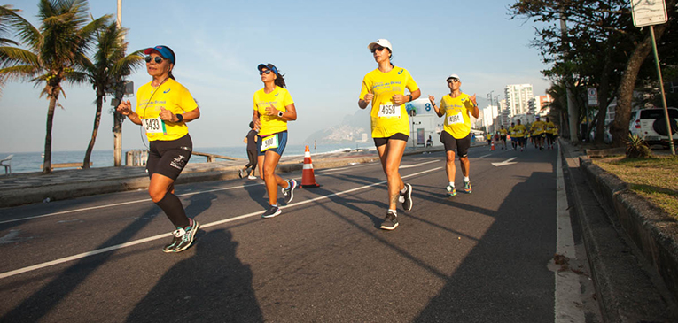 Como se acostumar a correr em climas úmidos