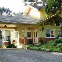 Hotel/Pousada em Canela, bairro Jardim Dos Pinheiros Ii