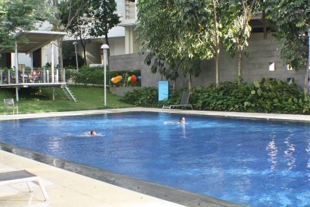 Msq_f-01-02_(swimming_pool_2)