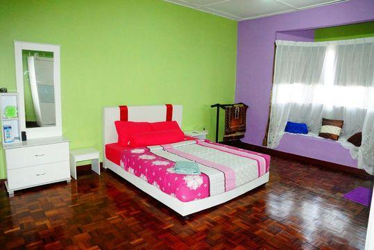 Dahlia_homestay_masterbedroom