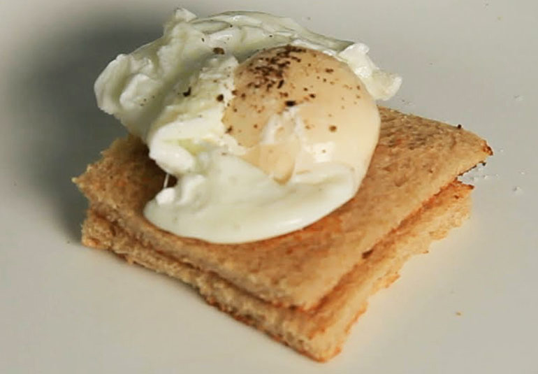 how to make poached eggs youtube
