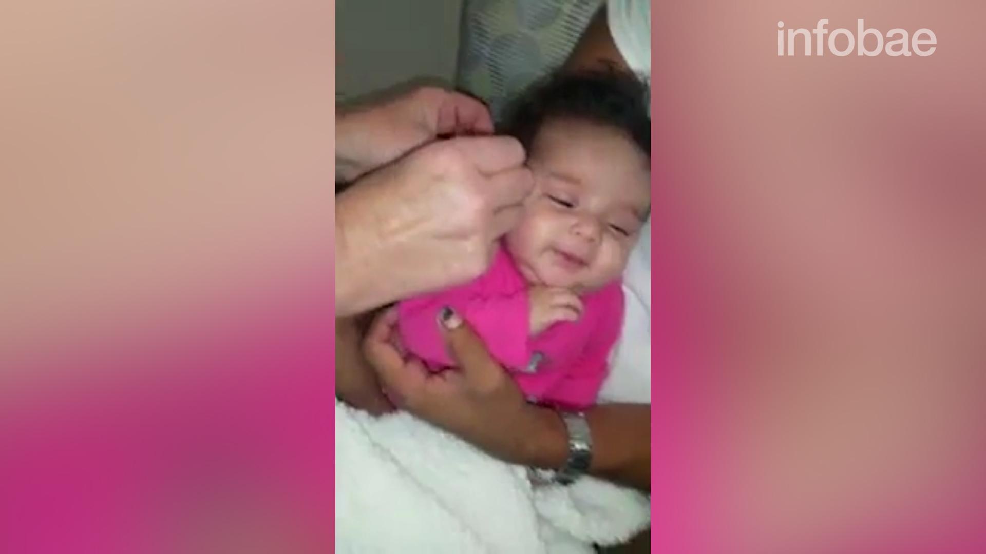 Conmovedor: videos de bebés que escuchan por primera vez las voces ...
