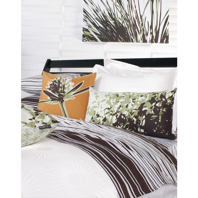 Estrella in Pure White Duvet Cover and Shams