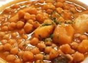 Spanish food for autumn - Estofado de Garbanzos y Patatas