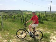 Cycling in Tuscany comes with Wine