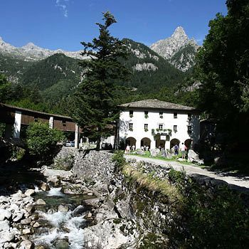 Relais Bagni Masino Terme & Spa : Accommodations in Italy - Insiders ...