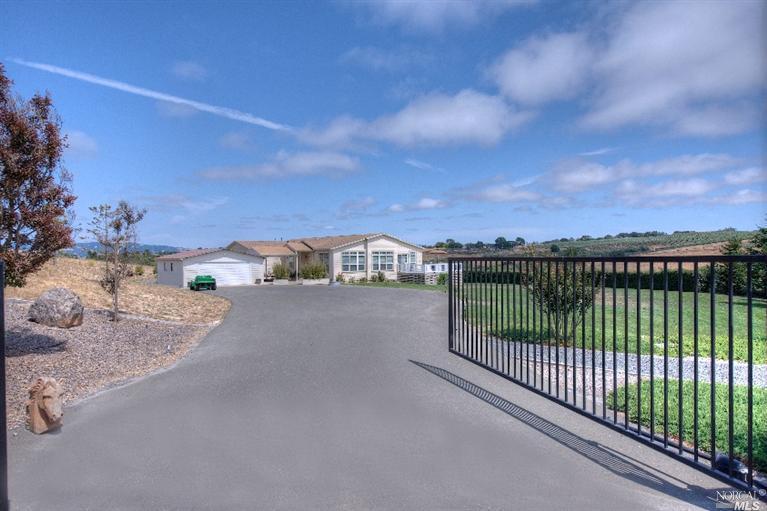 2427 Schaeffer Rd, Sebastopol, CA, 95472 Primary Photo