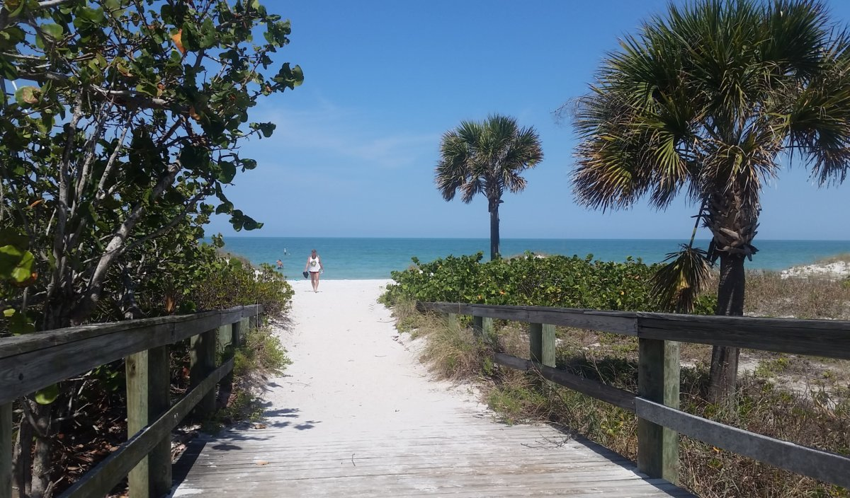 Surf Report: <p>No waves, but we have great beach weather.. Water temp around 77 degrees</p>