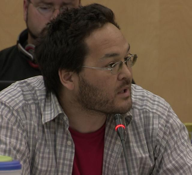 ᓂᐲᑦ ᐃᓄᒃᑎᑐᑦ Moshi Kotierk, NIRB Community Roundtable, July 25, 2012 Igloolik, 4:38 Inuktitut