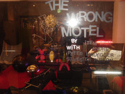01_the-wrong-motel_2007-11