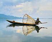 Fisherman on Inlay Lake, Myanmar. Photo: Vladimir Fofanov - sxc.hu
