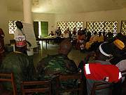 Community meeting with representatives of the Ministry of Agriculture. Photo: CHIMBO