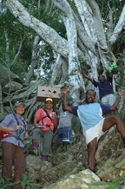San Diego ZooNature Fiji National Trust and Yanuya Park Ranger. Photo: Nick Felstead.
