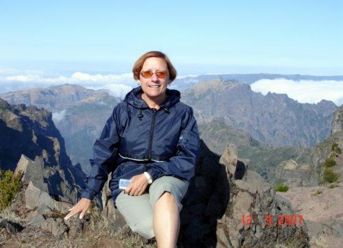 12 septembre 2007, Céline au-dessus des nuage sur un des pic de l'île de Madère au Portugal.
