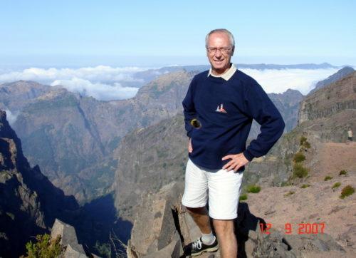 12 septembre 2007, au-dessus des nuage sur un des pic de l'île de Madère au Portugal