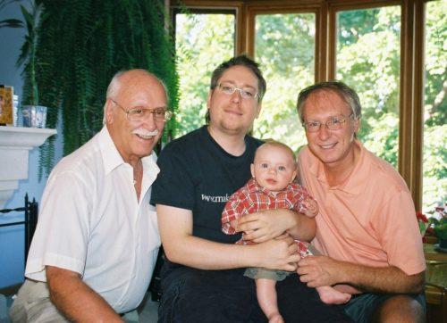 Printemps 2005, mon père, mon fils, mon petit-fils et moi