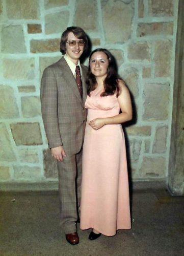Céline et moi au 25e anniversaire de mariage de mes parents.