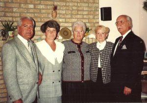 La famille du côté paternel en 1991 : Gilles et Huguette, Lucille, ma mère et mon père!