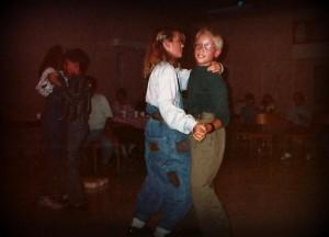 Party de baseball des Cougars de Saint-Léonard. Marc-André danse ici avec Johanne, la fille de Marcel Long!
