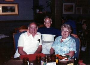 Jour d'anniversaire de Marc-André en 1989 avec ses grands-parents Pichette.