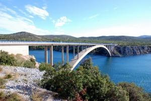 Un des milliers de ponts de la Croatie.