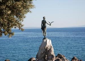 La fille à la mouette, Opatija, Croatie
