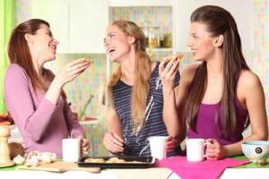 femmes-passent-5-heures-jour-bavarder-L-xyDpY1