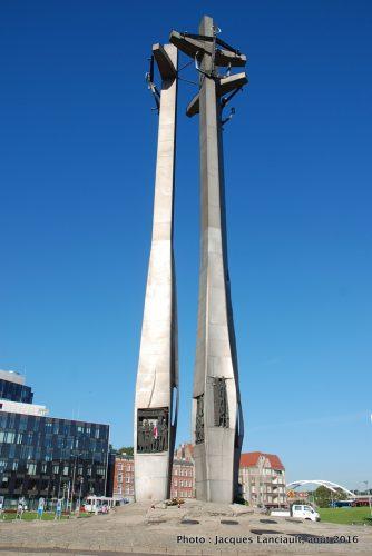 Monument aux ouvriers morts du chantier naval, Gdańsk, Pologne