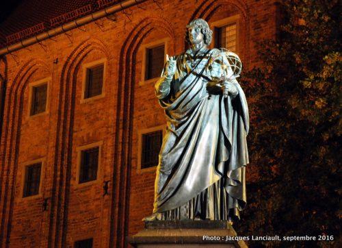 Statue de Nicolas Copernic, Vieille ville de Toruń, Pologne