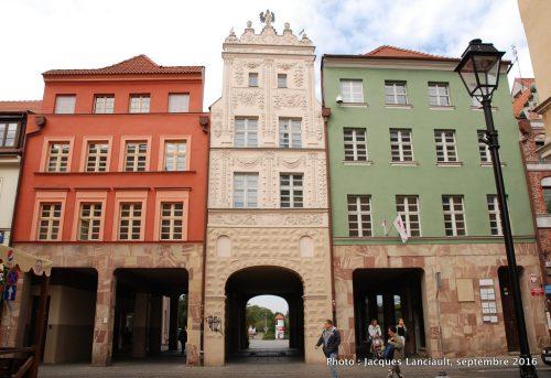 Porte de la ville, Toruń, Pologne