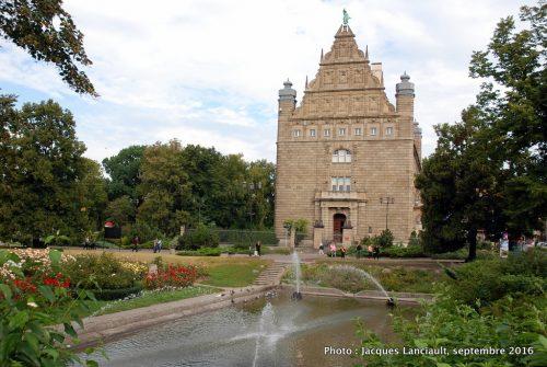 Parc de l'ancienne Banque Nationale de Pologne, Toruń, Pologne