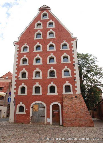 Greniers de la ville, Toruń, Pologne
