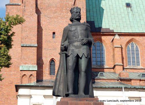 Statue de Boleslas Ier, cathédrale de Gniezno, Pologne