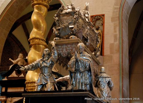 Tombeau en argent massif de Saint-Adalbert, cathédrale de Gniezno, Pologne