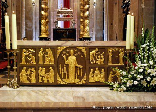 Maître-autel, cathédrale de Gniezno, Pologne