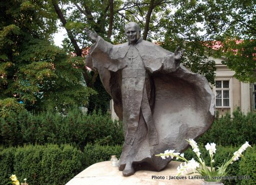 Monument à Jean-PaulII, cathédrale Saint-Pierre-et-Saint-Paul, Poznań, Pologne