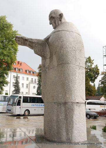Statue du pape JeanXXIII, île Ostrów Tumski, Wrocław, Pologne