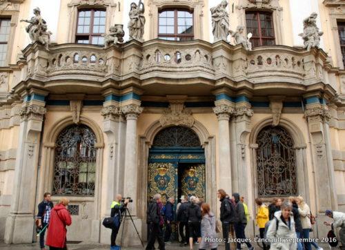 Le portail de l'Université, Wrocław, Pologne