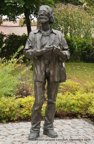 Statue de Jerzy Grotowski parc de la colline de l'université, Opole, Pologne