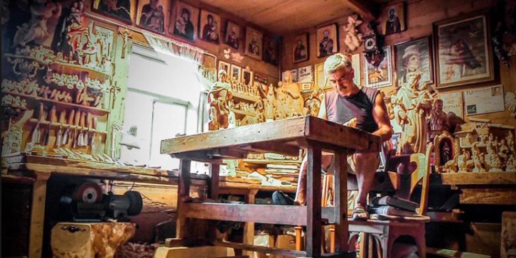 Jan Zięder dans son atelier
