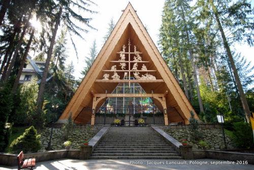 Autel papal, parc du sanctuaire Notre-Dame-de-Fatima, Zakopane, Pologne