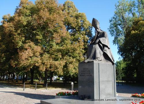 Statue du cardinal Stefan Wyszyński, Varsovie, Pologne