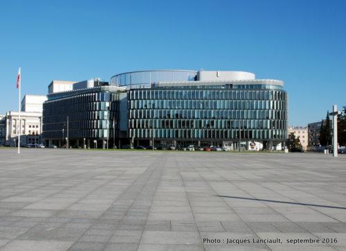 Le «Metropolitan», place Piłsudski, Varsovie, Pologne