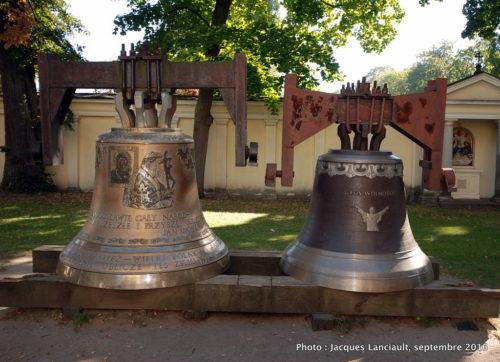Cloches de l'église Sainte-Anne de Wilanów, Varsovie, Pologne