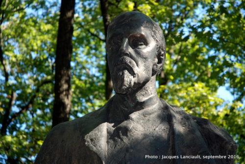 Monument Henryk Sienkiewlcz, parc Łazienki, Varsovie, Pologne