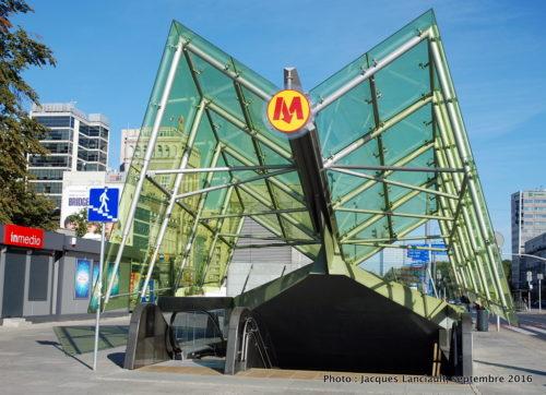 Station de métro, Varsovie, Pologne