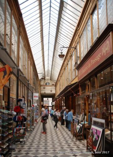 Faubourg Montmartre, Paris, France