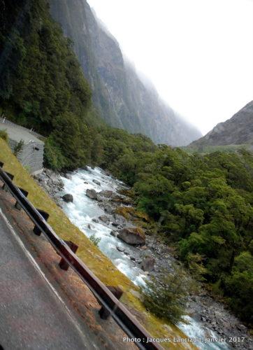 Christie's Falls, parc national de Fjordland, île du Sud, Nouvelle-Zélande