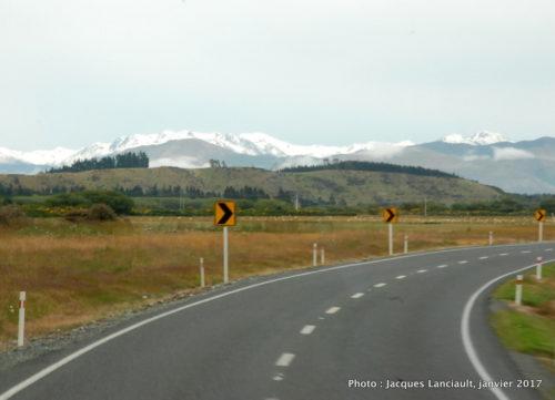 Route pour le parc national de Fjordland, île du Sud, Nouvelle-Zélande