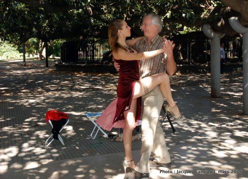 Danseurs de tango, quartier Recoleta, Buenos Aires, Argentine